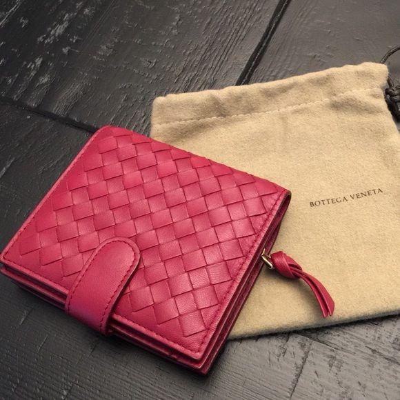 f1c1c5ee70a1 AUTH BOTTEGA VENETA Leather Intrecciato Wallet Authentic Bottega ...
