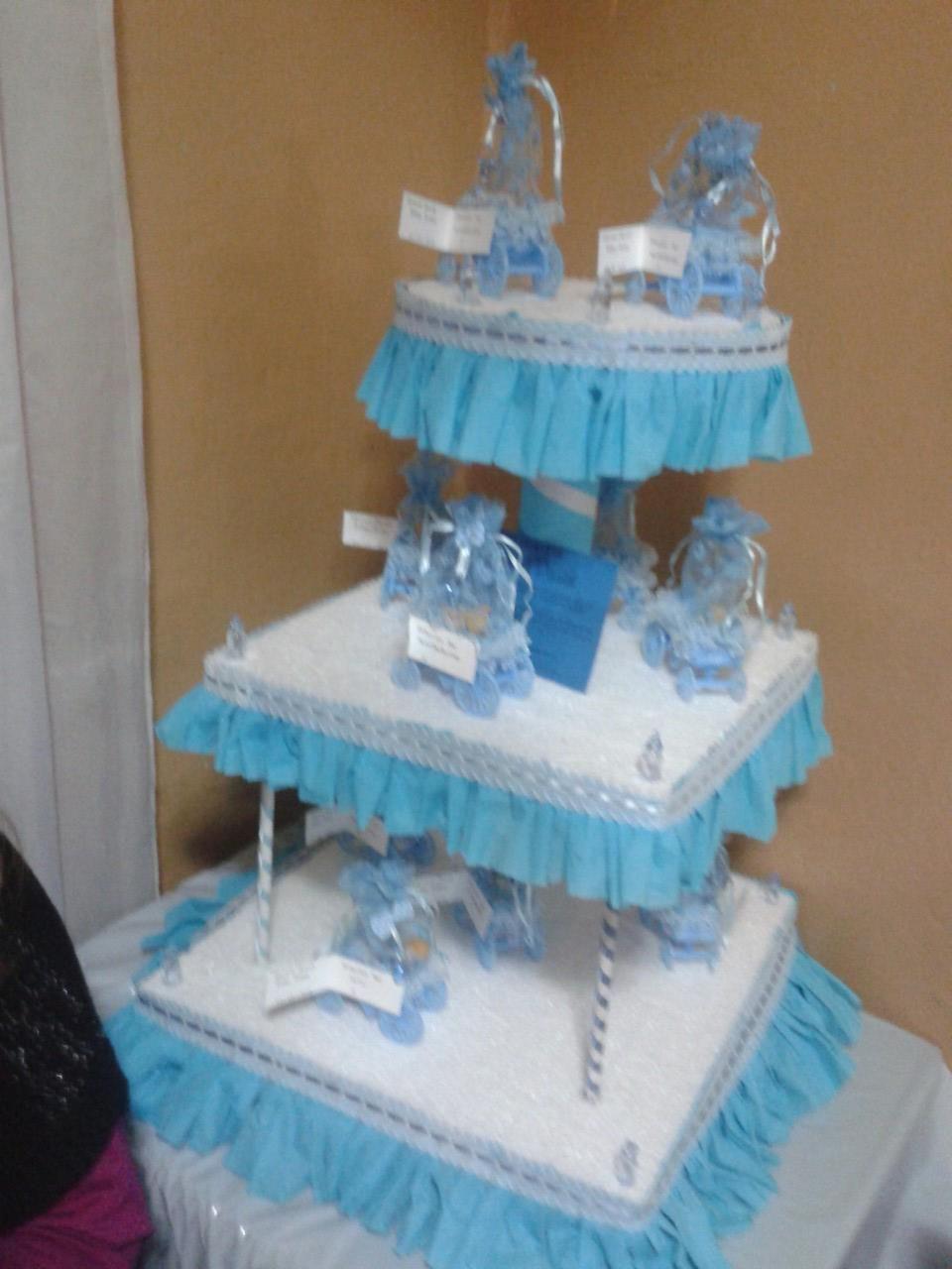 Centro de mesa para encintados de 3 pisos color celeste - Ideas fiesta inauguracion piso ...