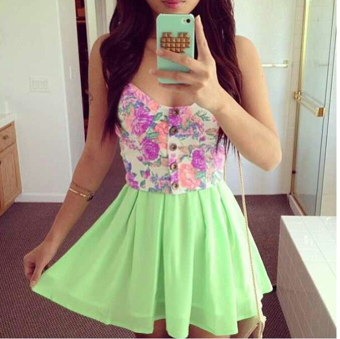 Lime green flowy (high waisted) skirt | Button up floral top ...