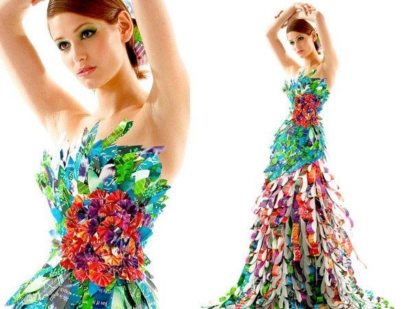 Trajes De Fantasia Con Material Reciclable Faciles De Hacer Buscar Con Google Paper Fashion Fashion Design Classes Recycled Dress