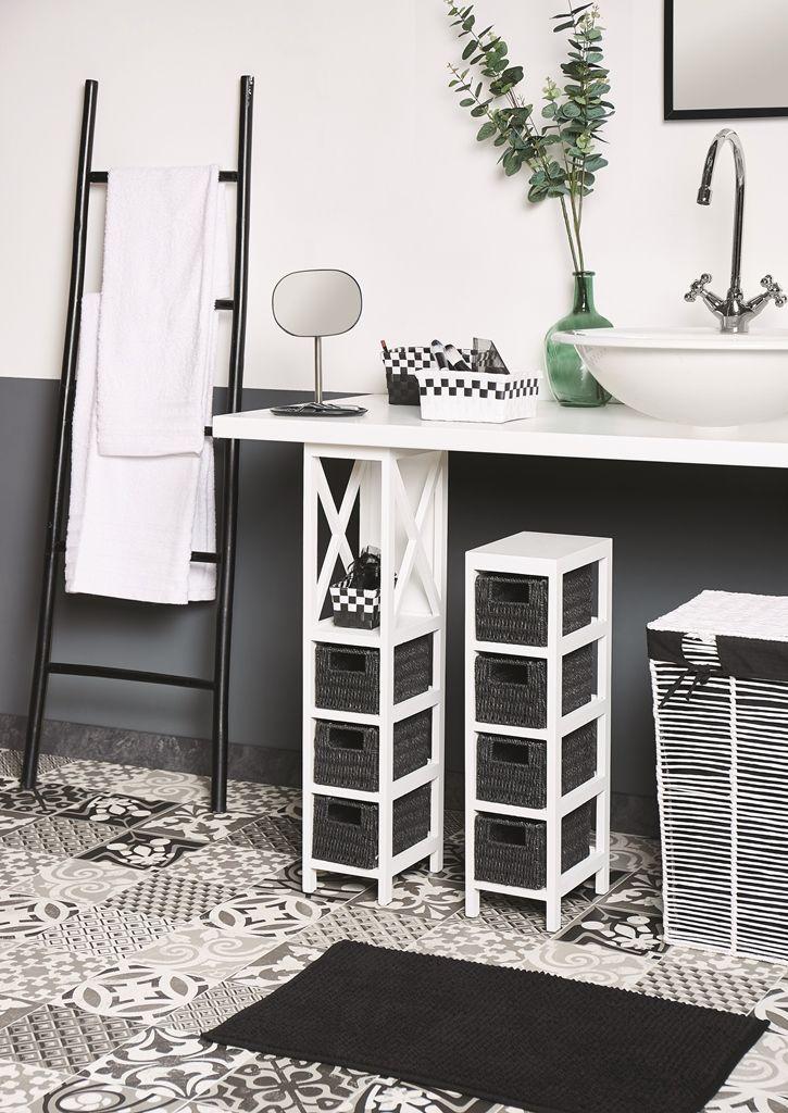 Une salle de bain tout en noir et blanc L\u0027astuce déco l\u0027échelle