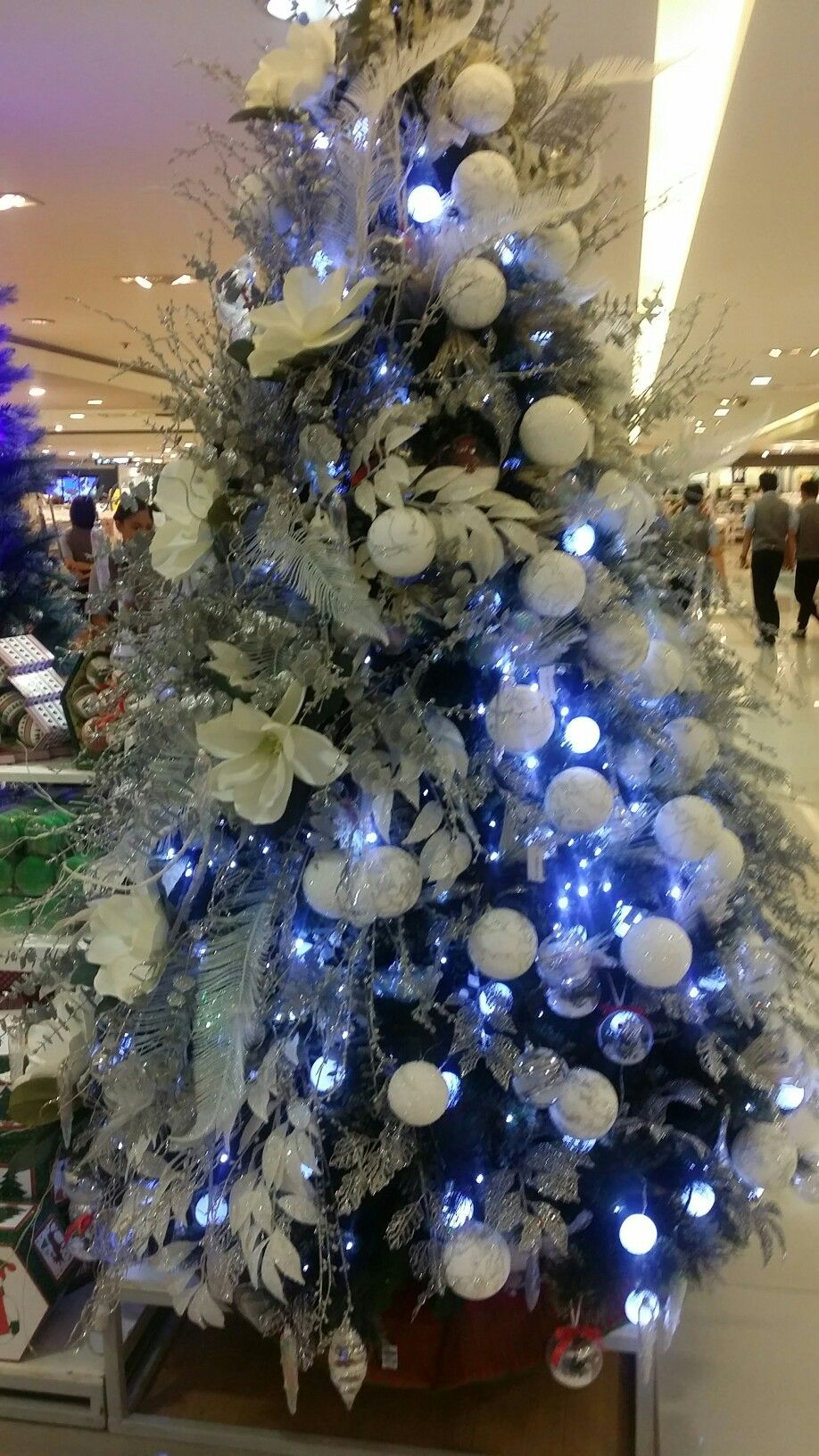 Pin By Flashpackairess On Xmas Manila Tree Design Holiday Decor Tree Designs Christmas Tree