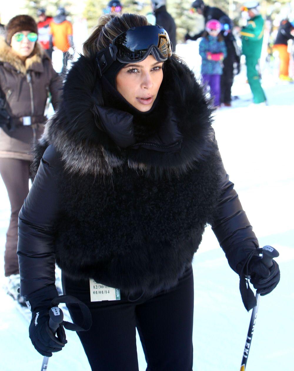 1bcf5ac9bfcbce Kim Kardashian goes skiing