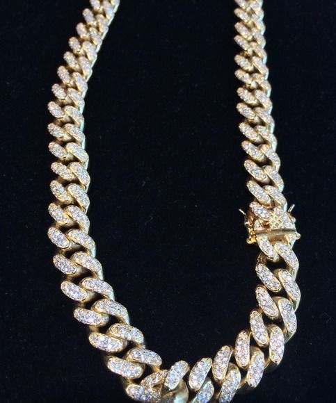 Beautifully Crafted Miami Cuban Link Chain Flooded With Vs Quality Lab Made Diamonds Made In Sterling Gold Chains For Men Chains For Men Gold Cuban Link Chain