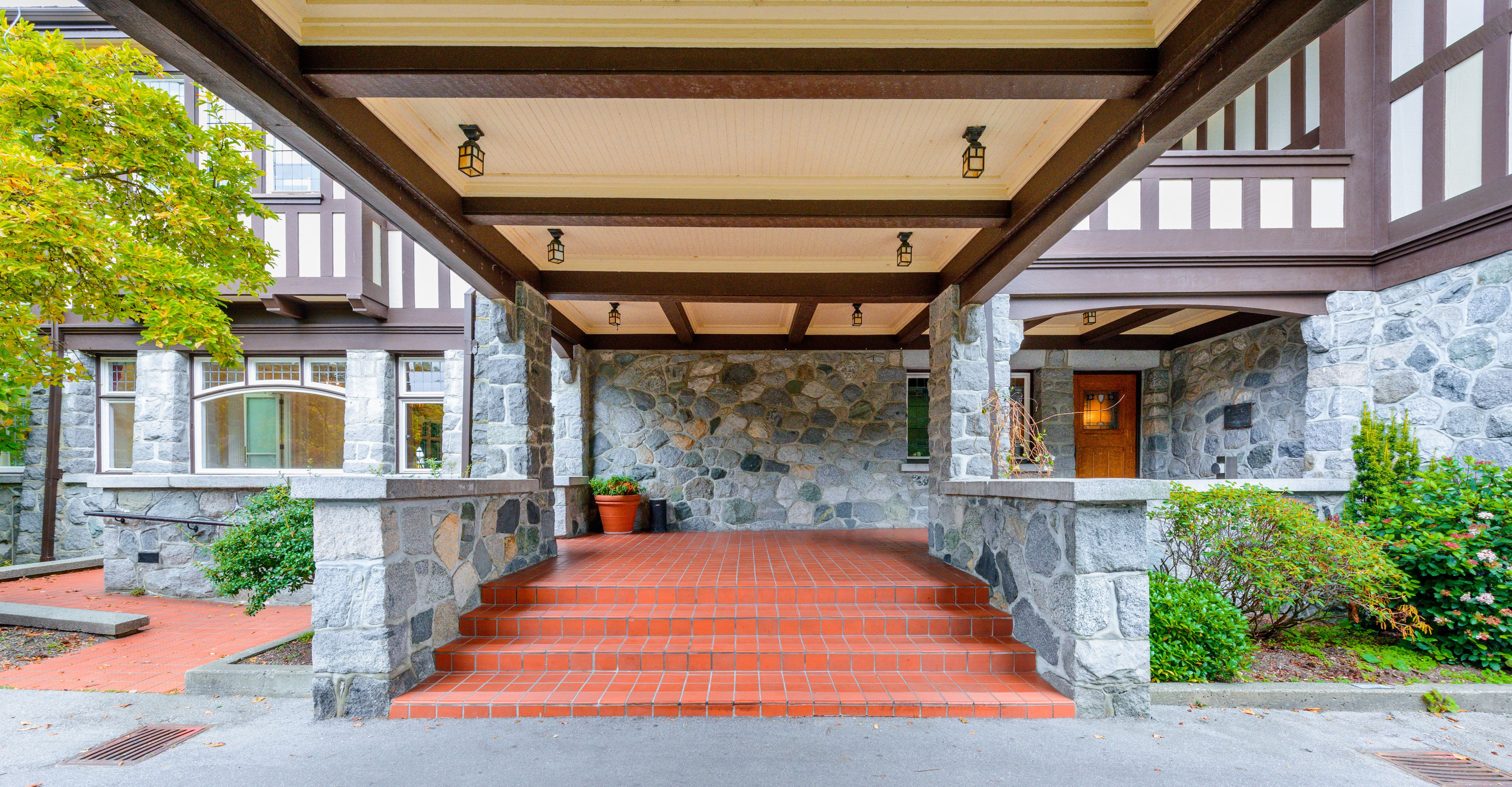 Pin by Wendy T on Vancouver, BC wedding | Park homes ...