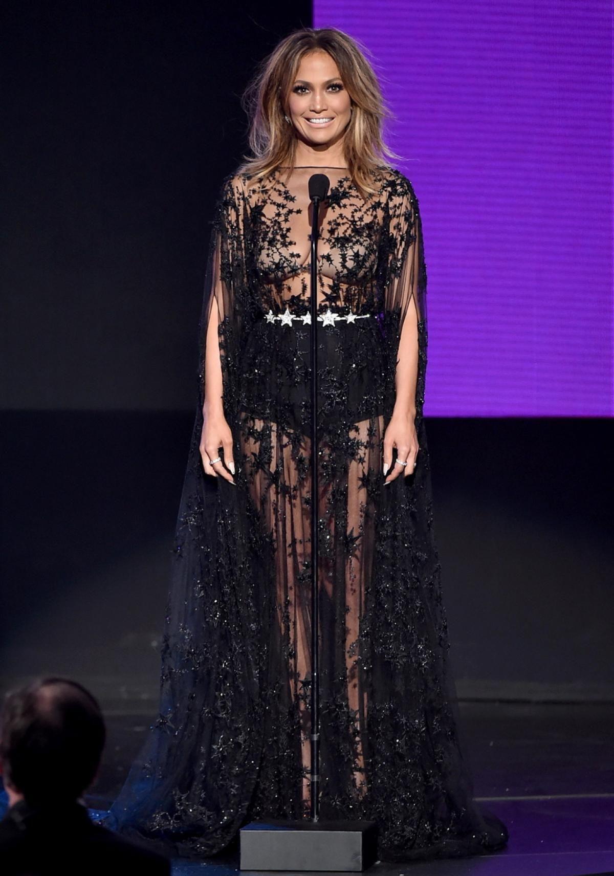 Jennifer Lopez Rocks So Many Different Looks at the AMAs