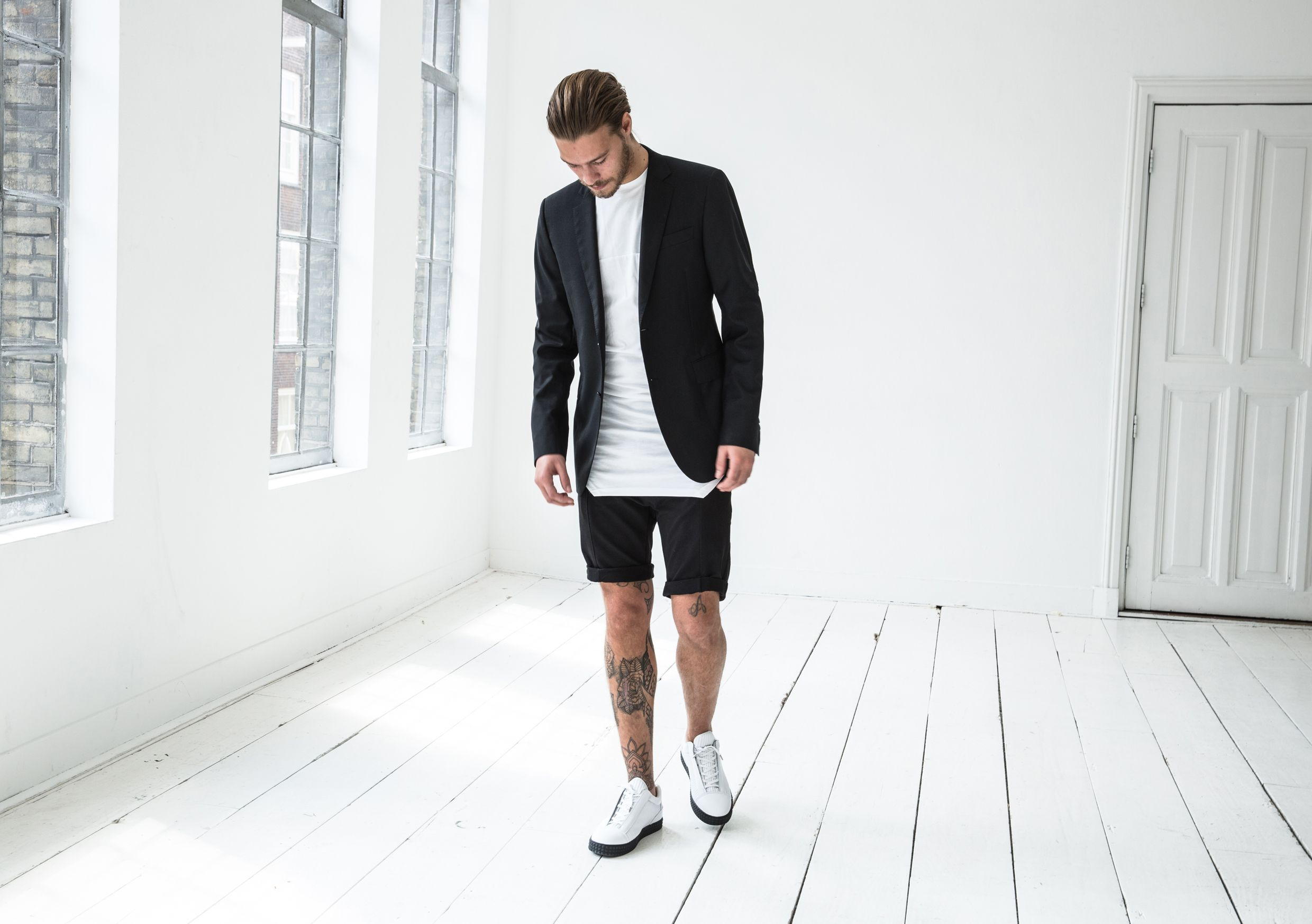 SUSUDIO, one of our amazing brands. White sneakers from the Diamond Sole collection.  Shop these sneakers at DIMAGINI https://dimagini.nl/susudio/