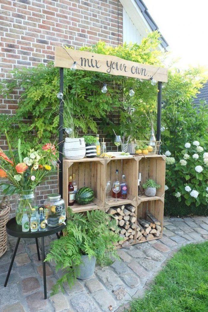 Bar Im Garten Aus Weinkisten Gartendeko Garten Deko Garden Boxes Diy Diy Bar Diy Garden Projects