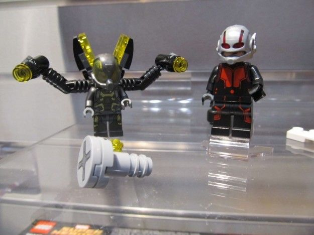 Make your own Lego movie with the Lego Ant-Man set! Comes with Ant ...