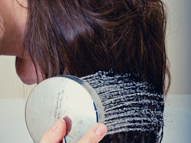 Wer seine Haare mit Reiswasser wäscht, wird vom Volumen begeistert sein