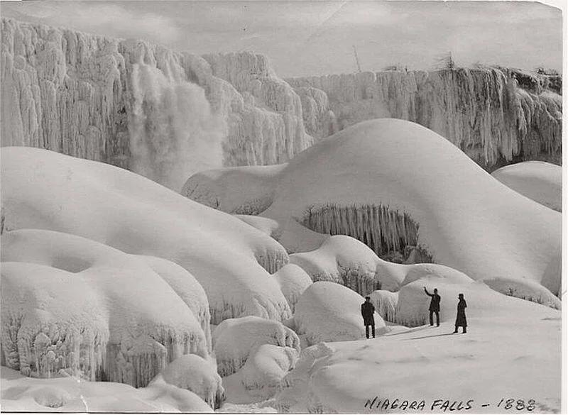 Niagara Falls in the winter of 1888. interestingasfuck