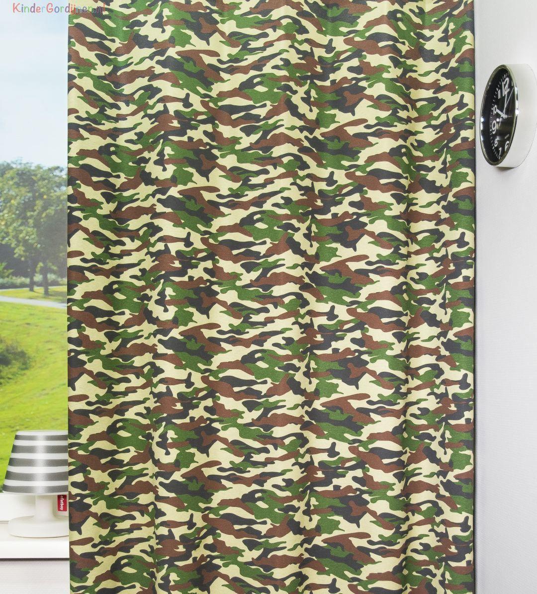 Dit camouflage gordijn is geïnspireerd op het kleurgebruik van de ...