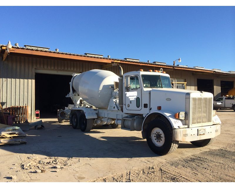 1997 Peterbilt 357 Mixer / Ready Mix / Concrete Truck