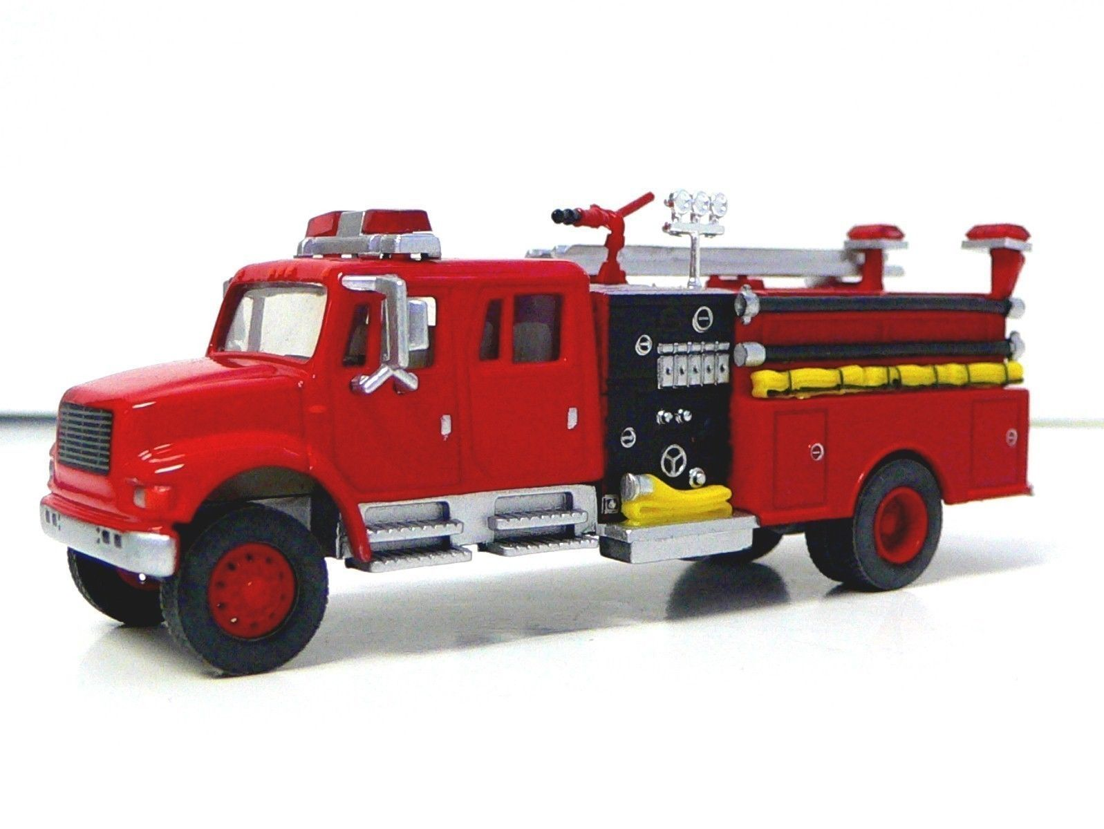 Toy Model Trucks : Ho scale die cast fire truck for model railroad