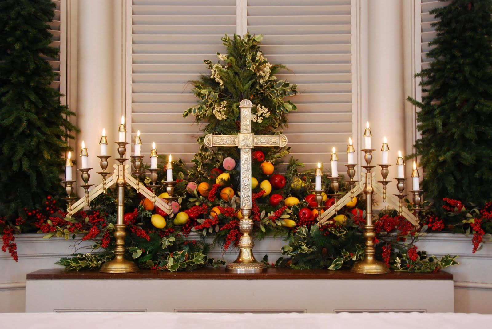 Decorating ideas for christmas church pinterest for Christmas hall decorations