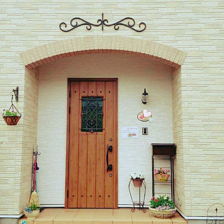 玄関 入り口 Lixil玄関ドア アイアン妻飾り ハンギングlove 寄せうえ