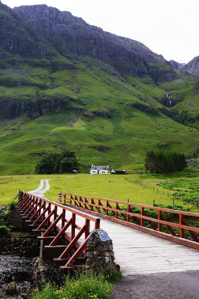 Achnambeithach cottage beside Loch Achtriochtan, Glencoe, Highlands.