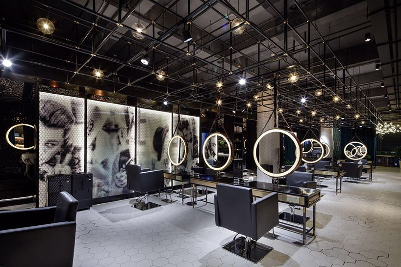 The interior creates an overwhelming visual experience for Industrial punk design