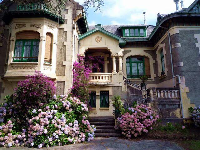 Aix-en-Provence Aix-en-Provence, France building color house Town
