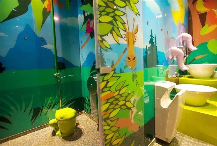 Children's bathroom (4/5)