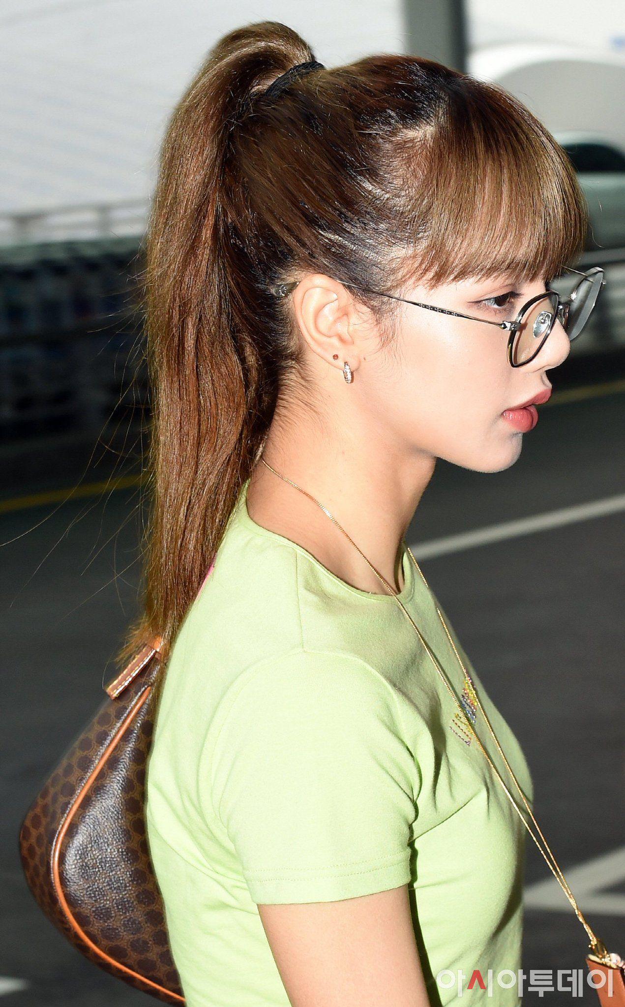 Pin by ًm🍦 on BLΛƆKPIИK Blackpink, Girl side profile, Lisa