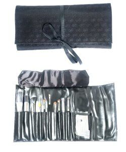 glominerals globrush roll kit with brushes in black