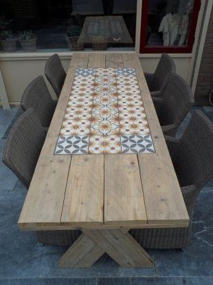 Tuintafel Met Portugese Tegels Maken.Foto S Van Cementtegels Projecten Met Portugese Tegels