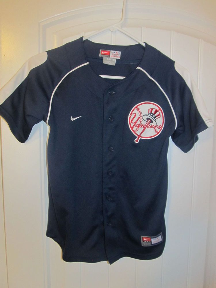 0e2122f7 New York Yankees jersey - Nike youth Small #Nike #NewYorkYankees ...