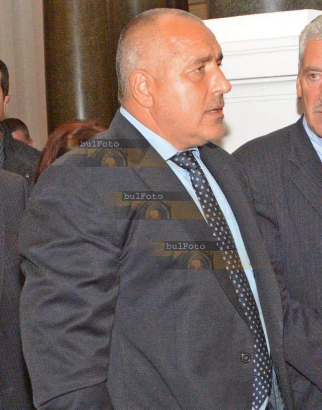 Борисов 3 часа разпитван във военната прокуратура