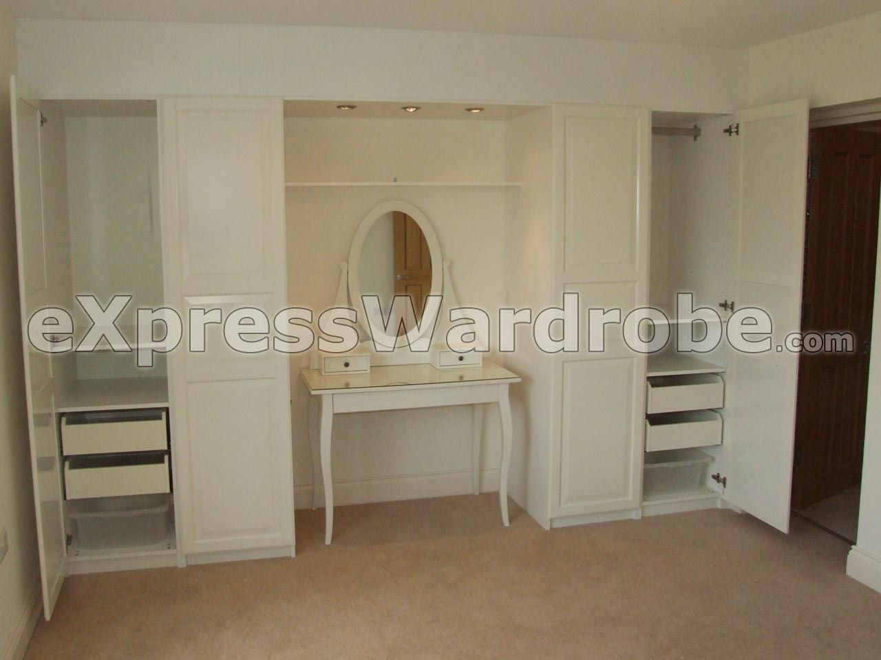Cheap Fitted Wardrobes Solution, Top made-to-measure bespoke fitted bedroom  design and installation service in London areas.