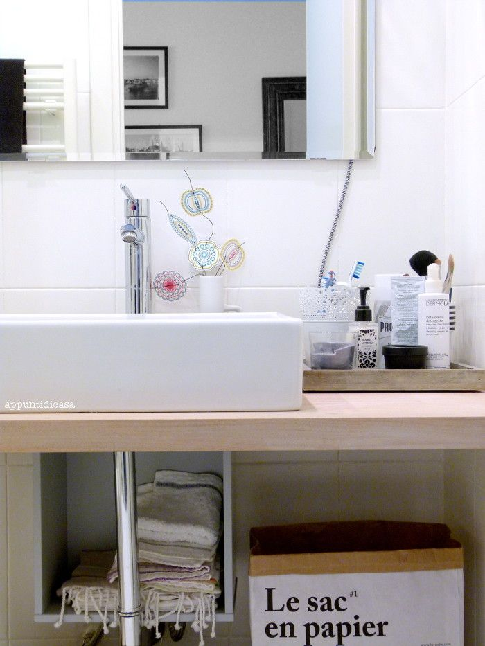 Restyling low cost di un bagno piccolo in stile nordico - Mobili bagno low cost ...