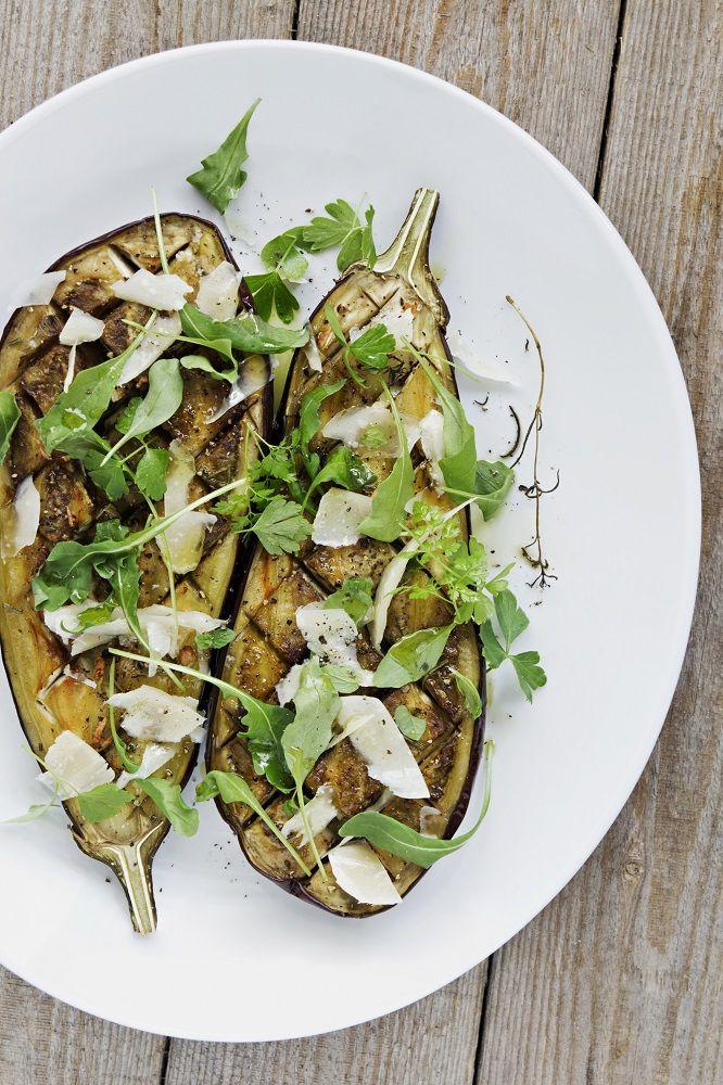 gegrilde aubergine met tijm, parmezaanse kaas en rucolapesto #gezond