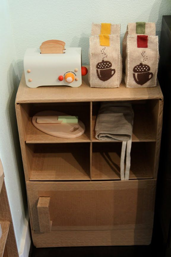 Absolutely adorable DIY children's coffee shop play set! I can't wait to play lol