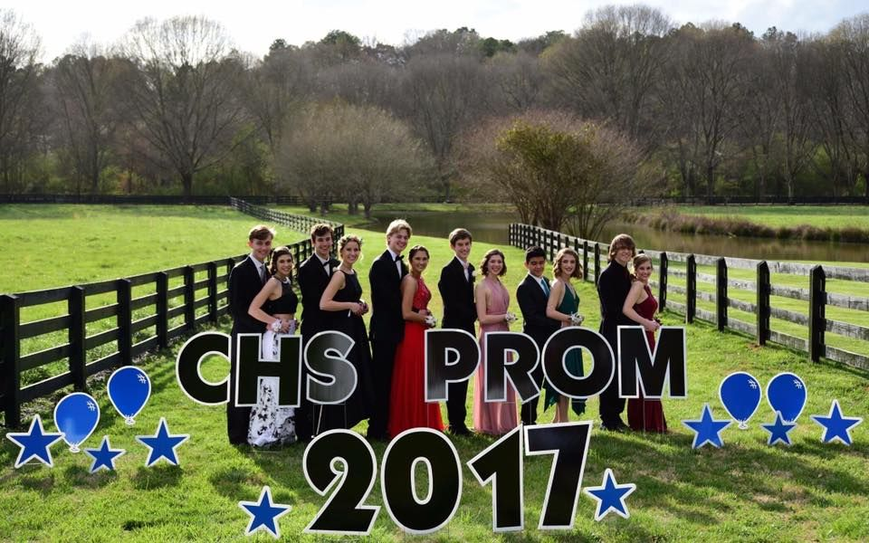 PROM PREPARTY Photos just got made more special with fun