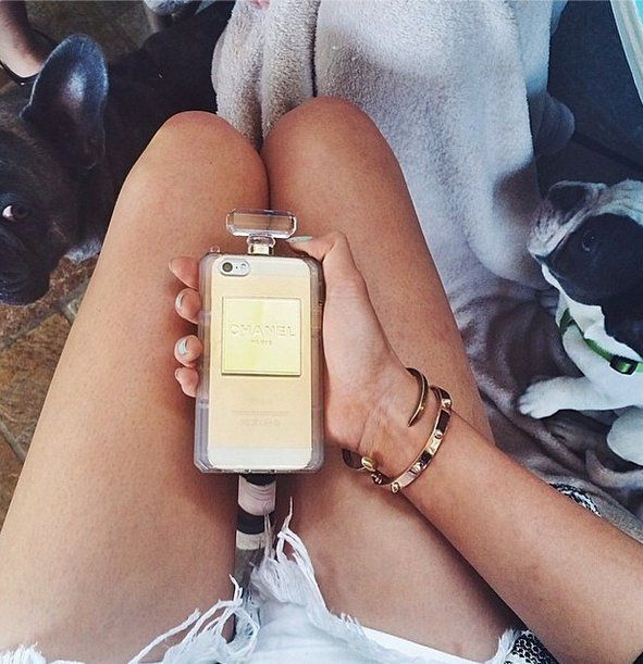 Pin for Later: Um, These Cases Are Amazing Chanel-Inspired iPhone Cover The photo that started it all (which looks doubly glam thanks to the golden hue of the phone peeking through). Source: Instagram user pinkcloudsworld