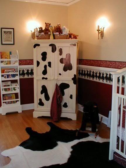 I Like The Cow Rug And Cow Paint Cow Nursery Baby Boy Nursery Themes Cow Decor