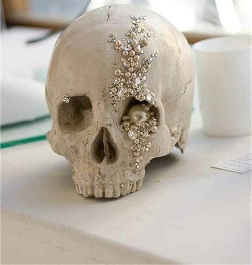 Jeweled Skull easy to duplicate buy a cheap skull from Michaels - hobby lobby halloween decorations