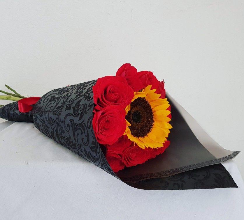 Ramo De Rosas Rojas Y Girasol Girasoles Y Rosas Ramos De