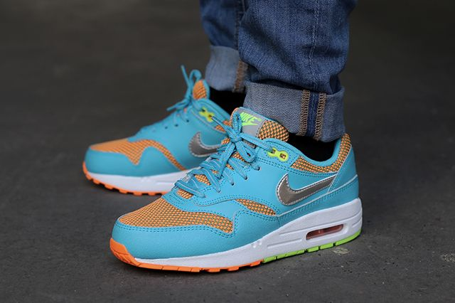 nike air max 1 green orange
