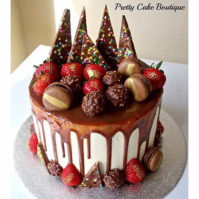 Cake Decoration With Chocolate Syrup : - Vanilla Frosting Covered Chocolate Sponge Cake with ...