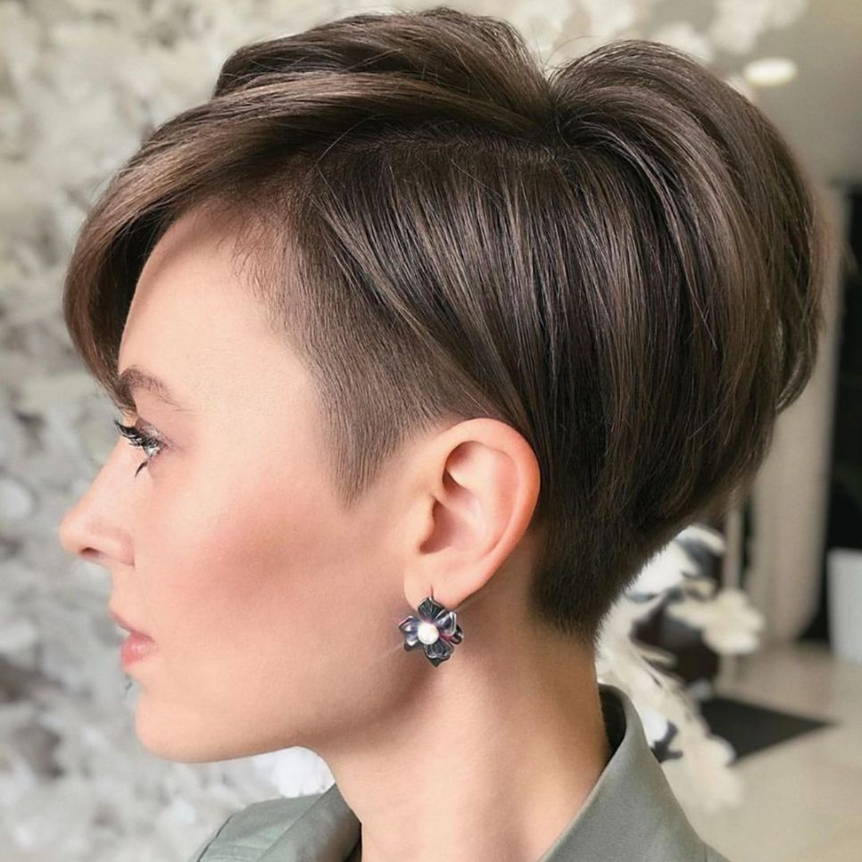 These Short Layered Haircuts Are Perfect for Start