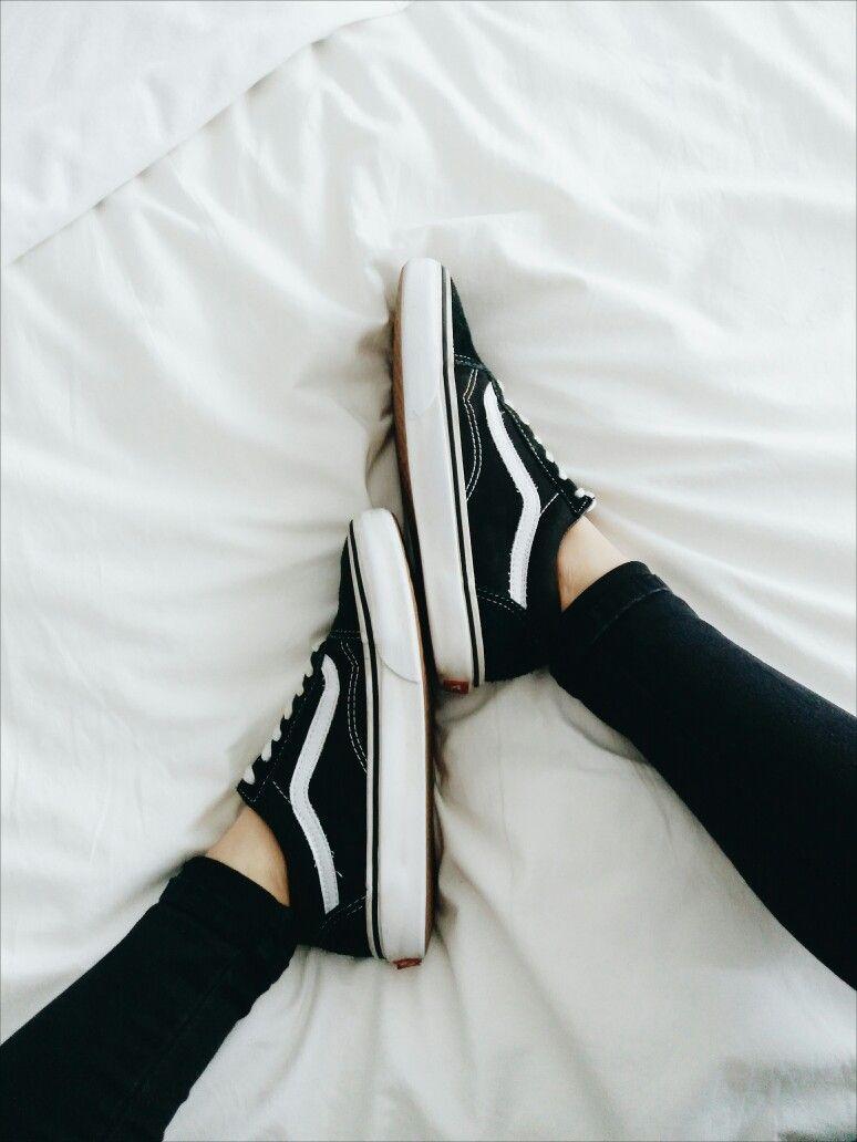 pinterest: @lilyosm | black low top skater vans style shoes teen fashion