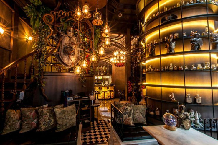 34 Charming New Unique Cafes And Restaurants In Bangkok That Are Must Visits Unique Cafe Cool Cafe Unique Restaurants