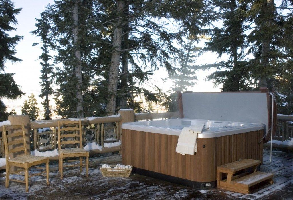 Cozy Hawkeye Hot Tub Hot Tub Hawkeye Hot Tub Luxury Estate