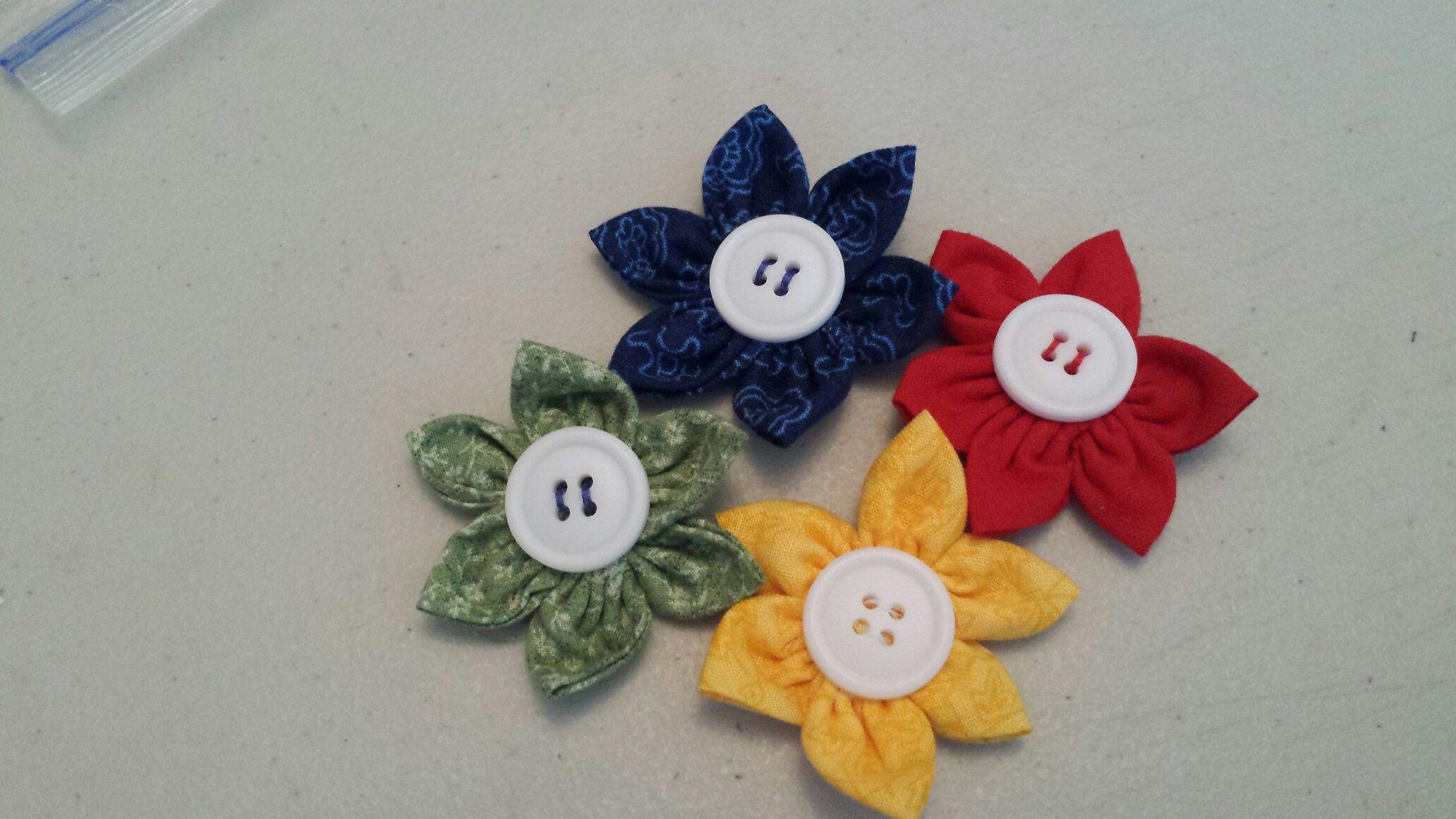 Yoyo flowers | Christmas ornaments, Holiday decor, Crafts
