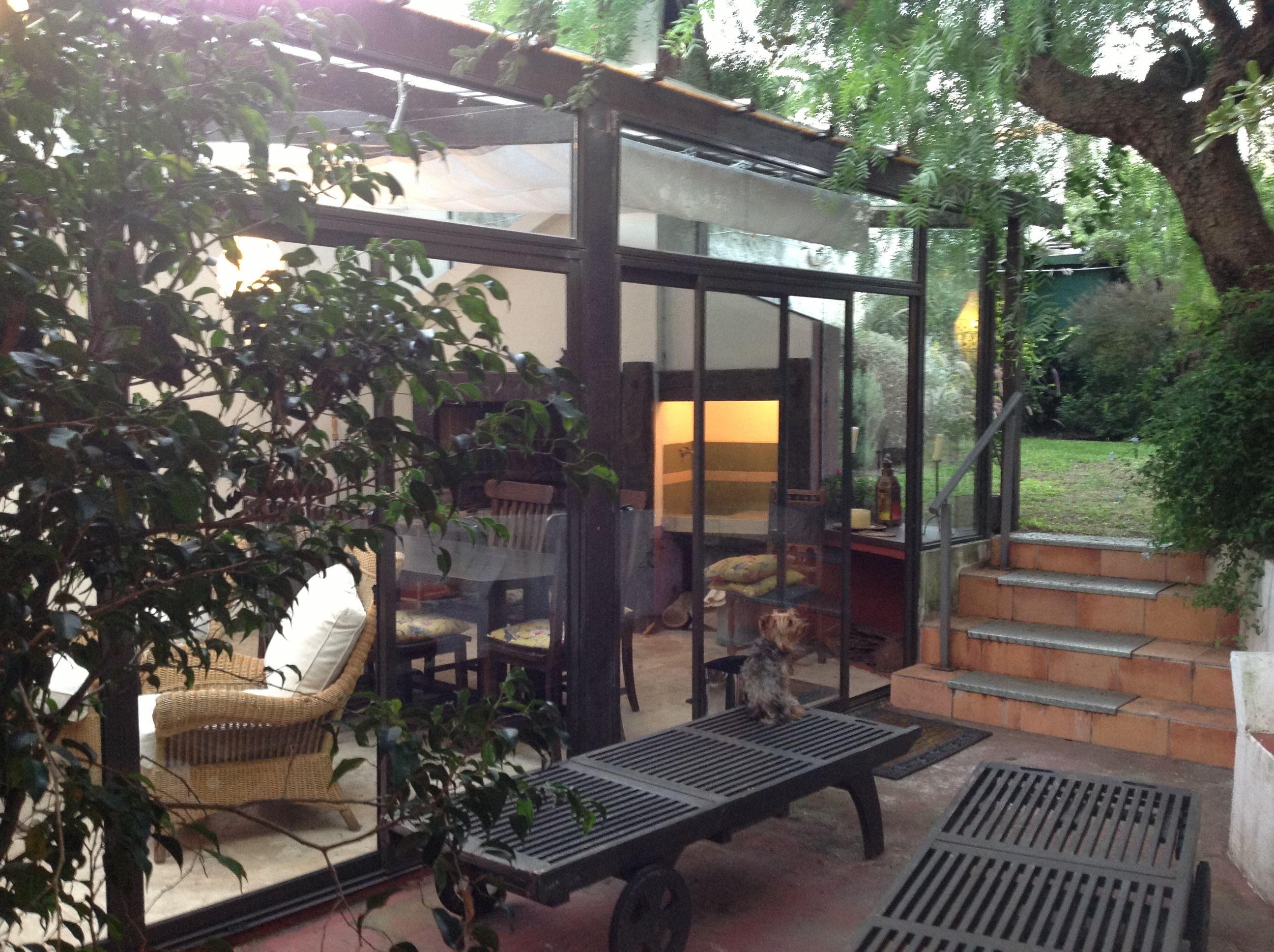 aBrbacoa en mi posada silvabur@gmail.com  Montevideo frente a los veleros, 2 suites, un dormitorio.
