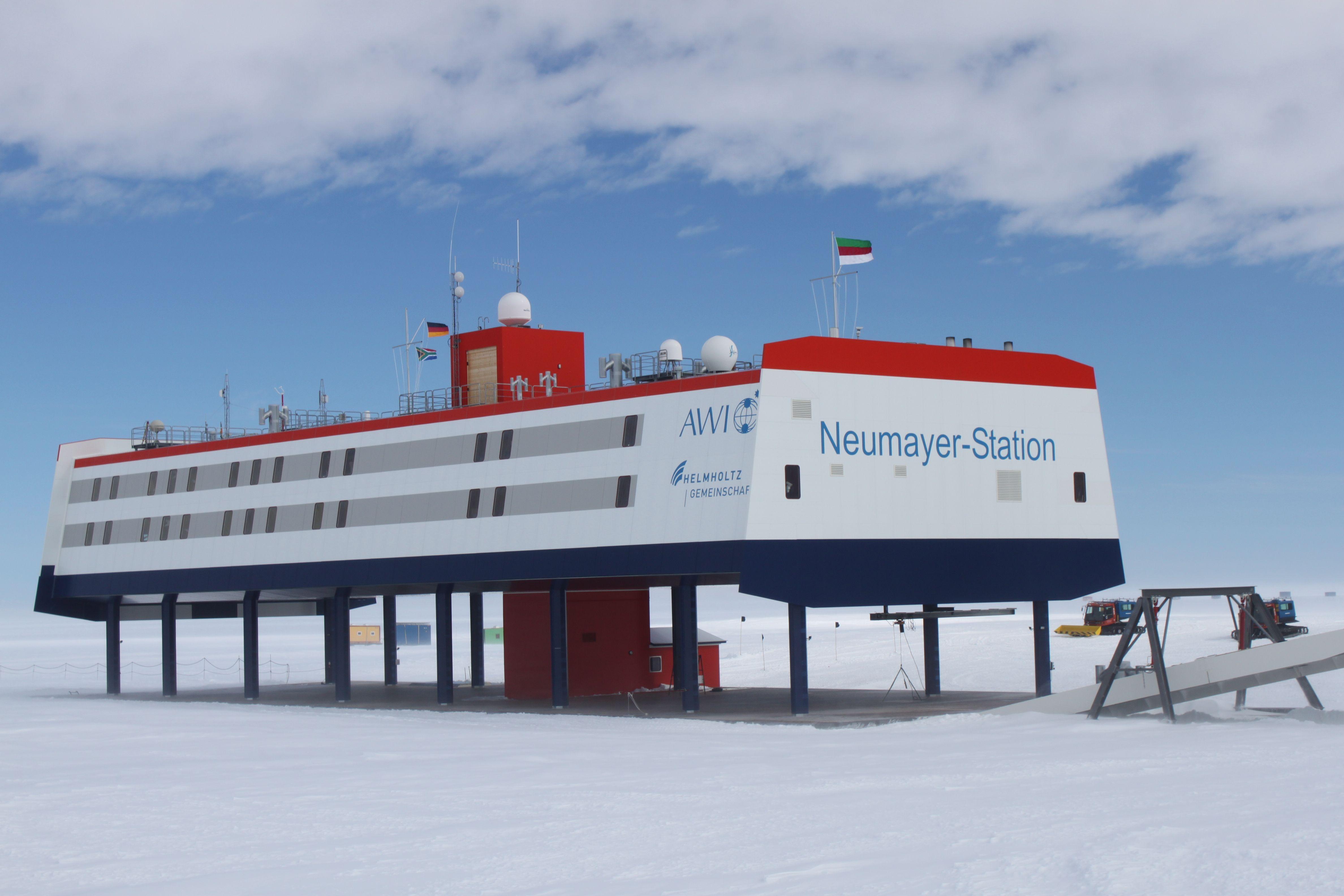File Neumayer Station Antarctica 12 5