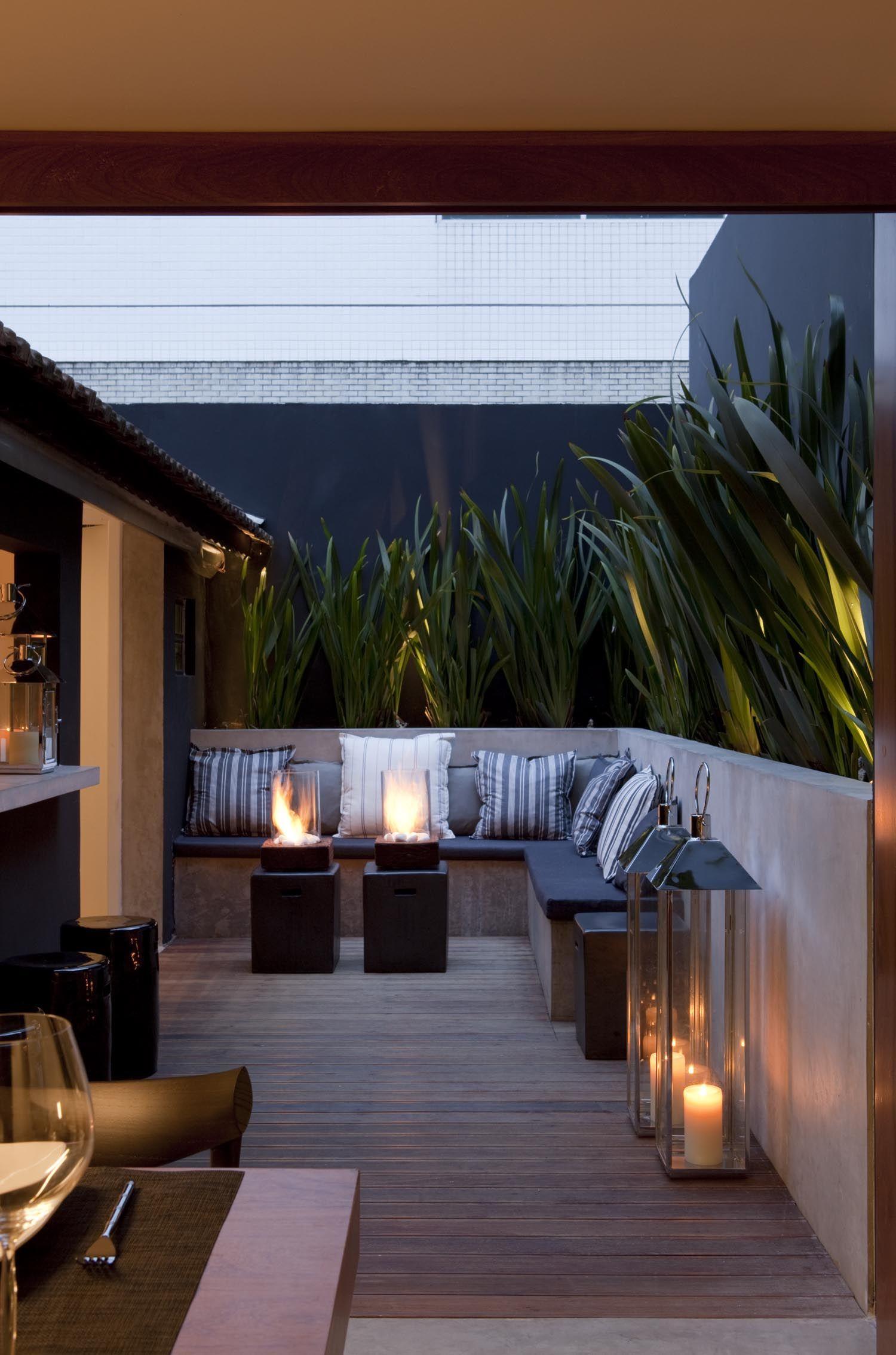 Residência Pinheiros 120 m² / Leticia Nobell #lazer #varanda #floreira #deck #exterior