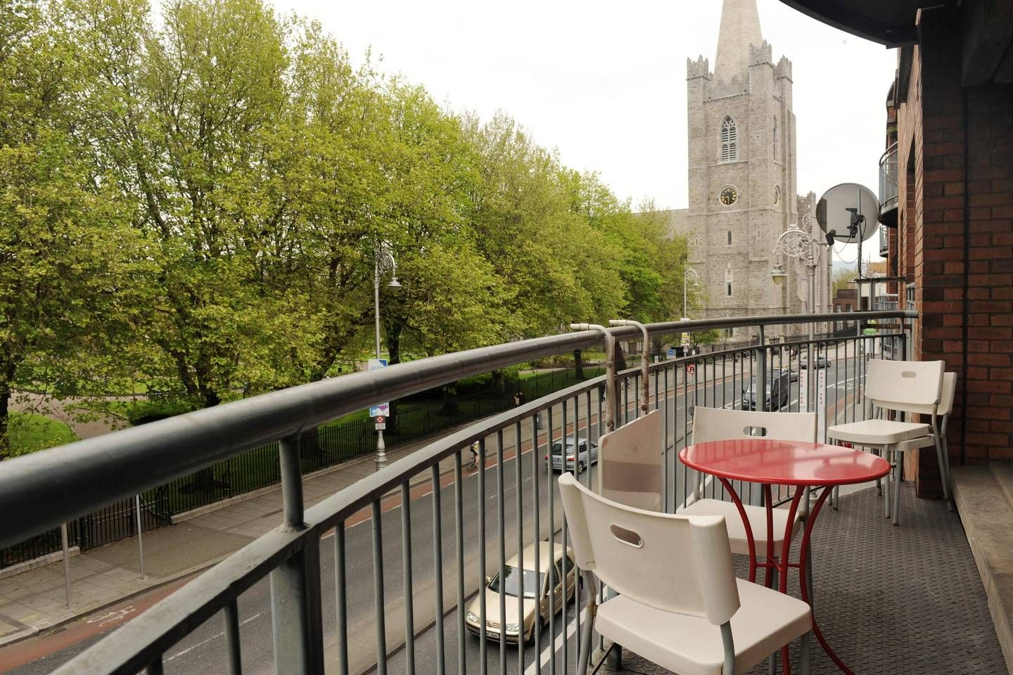 Perfect Location City Centre Apartment - Apartments for ...