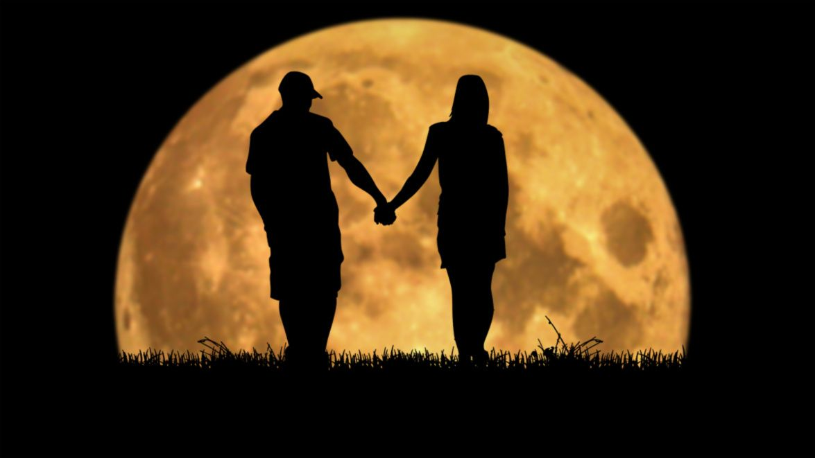 Download Moonlovers | Love silhouette, Silhouette photography ...